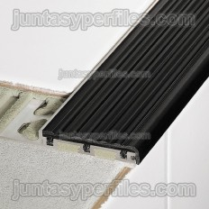 TREP-B - Anti-slip stair nosing trim
