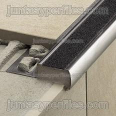 TREP-GS - Perfils per escales antilliscants en acer inoxidable