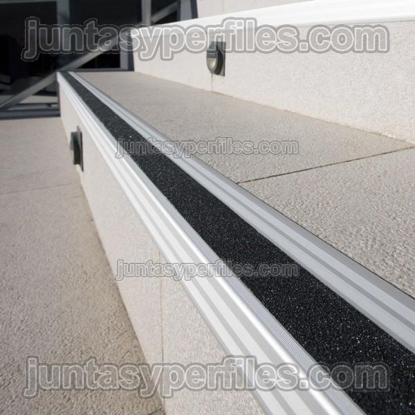 Pelda os para escalera con cinta antideslizante - Escaleras de peldanos ...