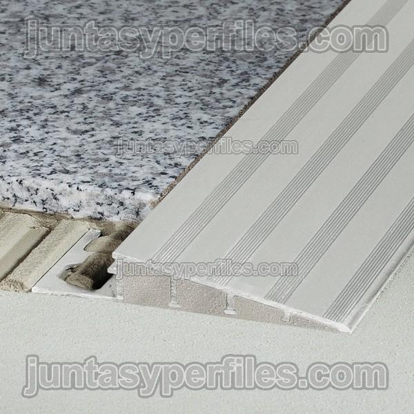 Rampa o cantonera de transici n de suelo reno ramp - Suelo vinilico adhesivo para exterior ...