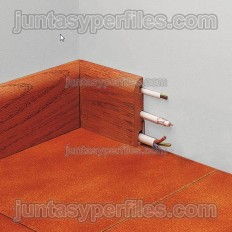 Novorodapie Madera - Rodapie de madera natural pasacables