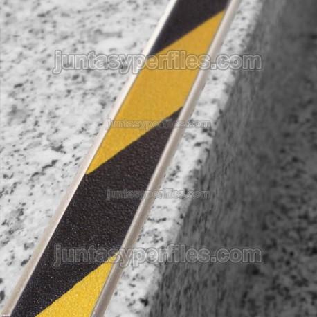 Pletina de aluminio con cinta antideslizante Novopletina Safety