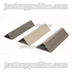 Chanfer edge plaster profile for concrete formwork