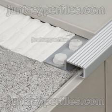 Novopeldaño 4 - Perfiles para peldaños en aluminio