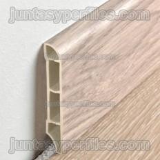 Plinthe en vinyle expansé finition bois
