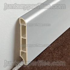 Rodapie de vinilo expandido acabado madera
