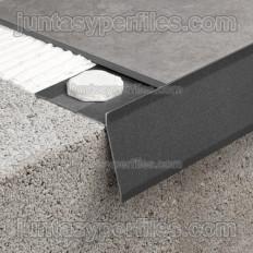 Novovierteaguas GT - Aluminium edging profile to finish off balconies, terraces and windowsills.
